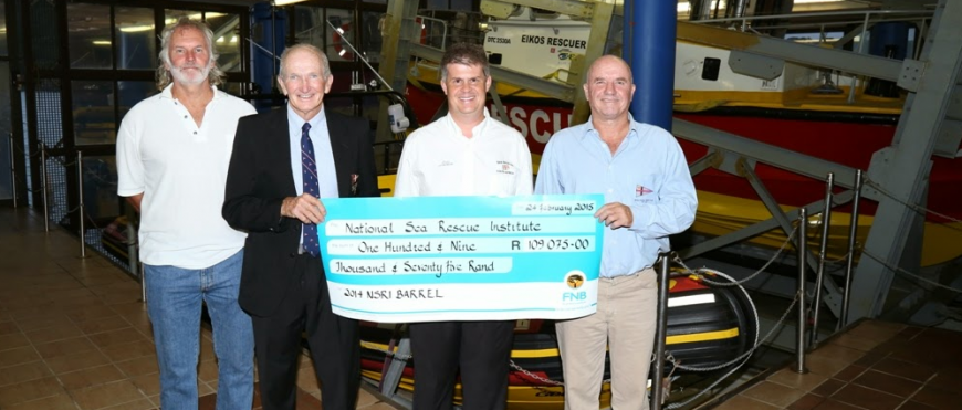 Durban Sailing Communities donate money to National Sea Rescue Institute Rescue 5